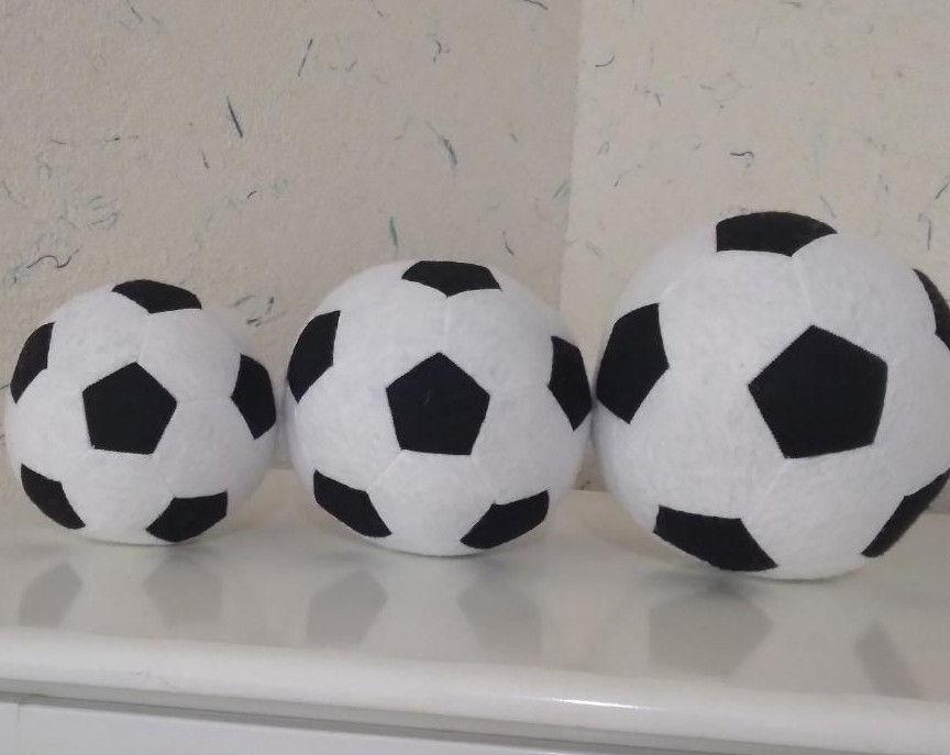 توپ نمدی ...توپ کوچک حدودا در سایز توپ هندبال به قیمت۳۰هزار تومان.بزرگ حدودا در اندازه توپ فوتبال و به قیمت ۵۰هزار تومان و متوسط به قیمت ۴۰هزار تومان...لطفا فقط تماس بگیرید....ارسال رایگان به تمام نقاط شهر