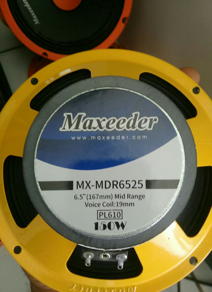 سیستم صوتی ماشین وکیلی میدرنج سایز ۶/۵ مکسیدر جفتی ۲۶۰ تومان ۱۵۰ وات  قبل اومدن هماهنگ کنید آدرس فروشگاه :چهارراه مصباح. به سمت ساسانی. خ فردوسی. خ روستانژاد پ۲۱