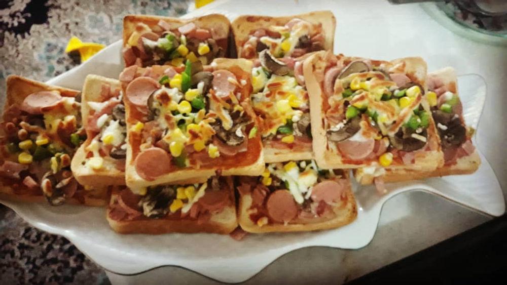غذای خانگی روزانه پیتزا بانان تست #پیتزا_با_نون_تست  #پیتزا_فوری  #پیتزا_خونگی  #پیتزا_مخلوط  #غذای_خانگی