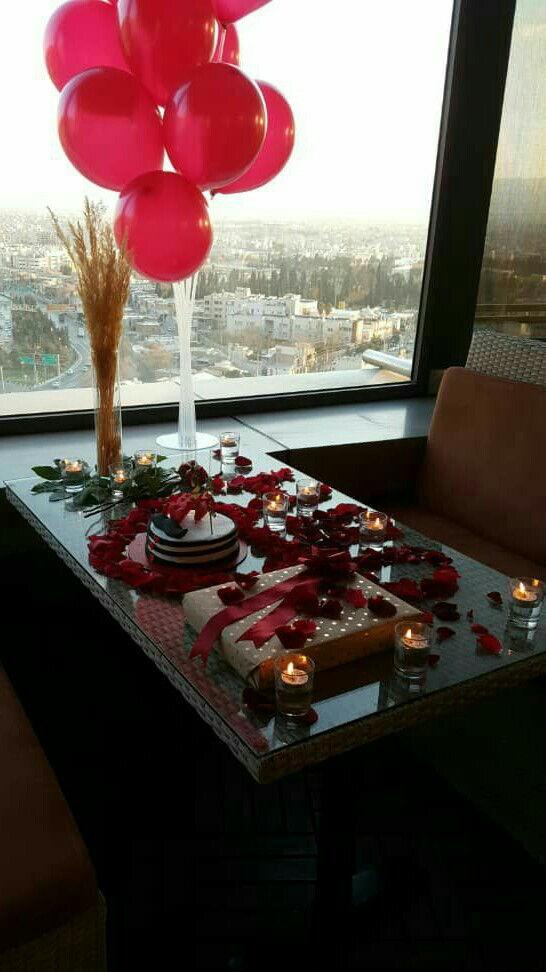 برگزاری تولد شیراز برگزاری تولد هتل بزرگ شیراز تجاری گلفروشی رزرو میز.کیک.گل ارایی.شمع ارایی.استند بادکنک 10تایی.دو شاخه رز جمعا با تخفیف ویژه 340000 تومان  اینستاگرام:tavalod38