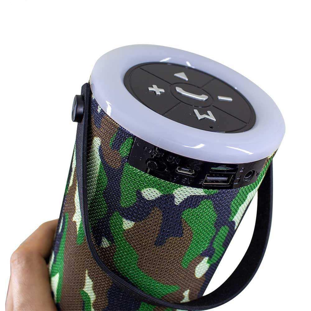 جانبی شمسایی گارانتی 12 ماهه داده پرداز متین ساخت تایوان دارای رقص نور دارای دستهای برای راحتی حمل و نقل  نوع اتصال: بیسیم و باسیم  اتصال دهنده: جک 3.5 میلیمتری صدا , پورت USB , شیار کارت حافظه , بلوتوث.  مدت زمان پخش موسیقی: ۳ ساعت ظرفیت باتری: 1200 میلی آمپر با کیفیت فوق العاده و صدای 3D  دارای رادیوی قوی ضد آب  دارای کابل شارژ microUSB  داری کابل صدا ( AUX )  توان خروجی: 5 وات  دارای خروجی هدفون  دارای میکروفون داخلی رنگ: آبی ، قرمز وزن: ۸۵۰ گرم  ابعاد: 110x110x265 میلیمتر  مدل: KBS149 ارسال به سراسر ایران آدرس: استان آذربایجان غربی، خوی، بلوار مطهری، خیابان موسوی، جنب مسجد، مغازه جانبی شمسایی. موبایل: 09219521968