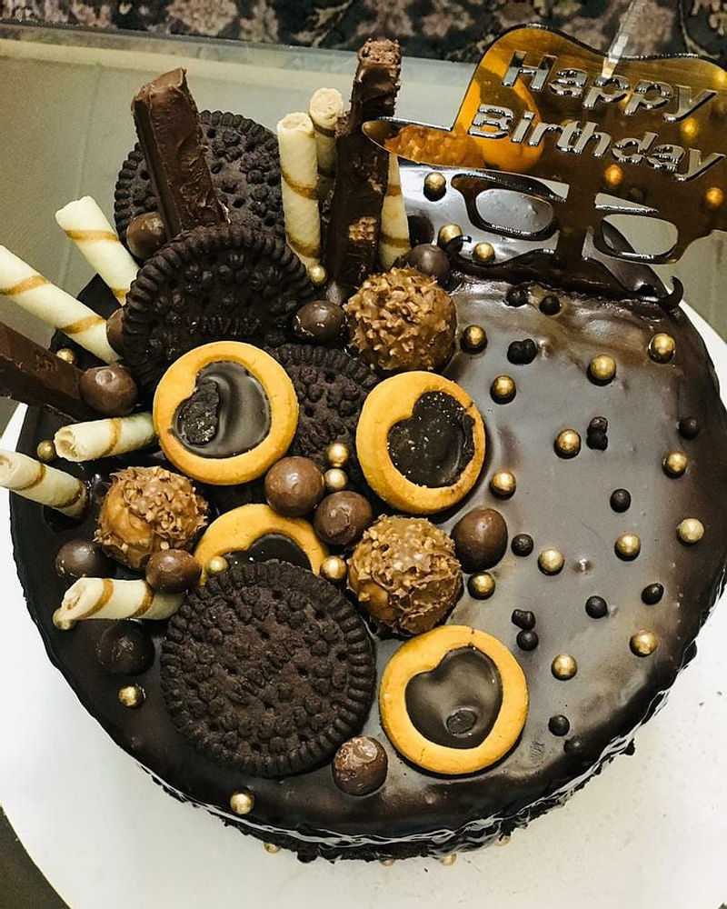 شیرینکده مدراکیک سفارش خواهر عزیزم #مدرا_کیک  #کیک_مدرا #کیک_مدرا_شکلاتی #کیک_سفارشی  #کیک_خونگی  #کیک_تولد_با_روکش_گاناش  #کیک_تولد_مردانه