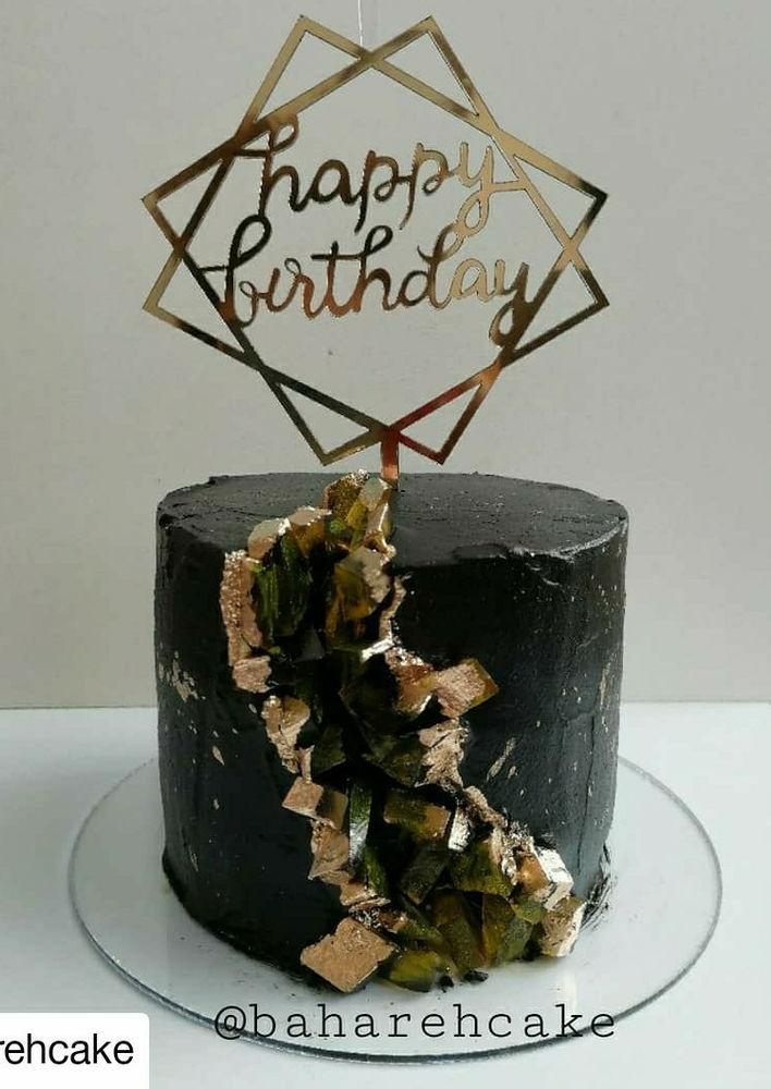بهاره کیک ارائه انواع کیک خامه ای، کیک تولد، مینی کیک، پاپسیکل. لطفا حداقل از یک هفته قبل نسبت به ثبت سفارش از طریق شماره واتساپ ۰۹۳۹۵۷۳۱۷۲۱ اقدام نمایید.