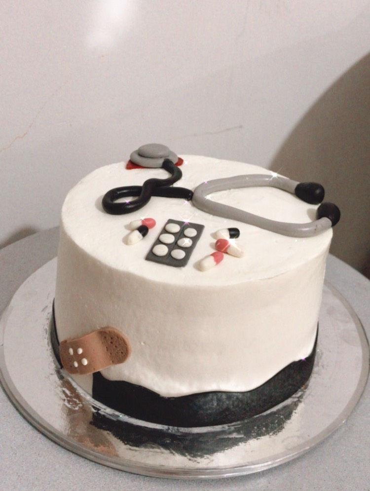 کیک خانگی قبول سفارش انواع کیک های خامه ای و فوندانت خانگی با کیفیت عالی و استفاده از بهترین و تازه ترین مواد با طرح و مدلهای دلخواه شما . قبول انواع سفارشات: کیک های مناسبتی، مینی کیک، باگر کیک ، پاپسیکلز و باکس سوپرایز با ویژگی تحویل به موقع و کیفیت رقابتی و کم نظیر ومناسبترین قیمت نسبت به سایر جاها به شما اطمینان میدهم که با یکبار سفارش مشتری دائم شوید،