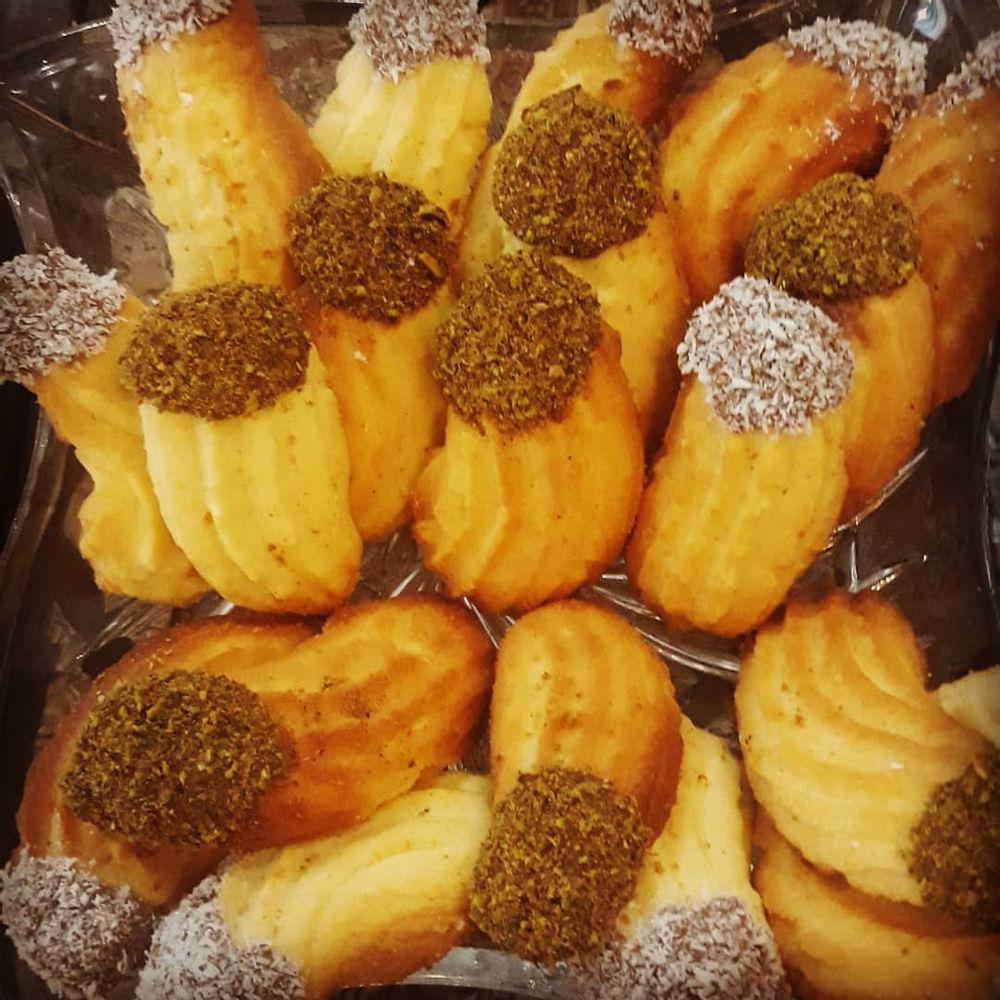 شیرینکده شیرینی شاه پسند شیرینی پتی فور شیرینی نارگیلی وگردویی سفارش دوست عزیزم خانم طرازی #شیرینی_شاهپسند  #شیرینی_پتی_فور  #شیرینی_نارگیلی  #شیرینی_گردویی  #شیرینی_خونگی #شیرینی_عید  #عیدنوروز