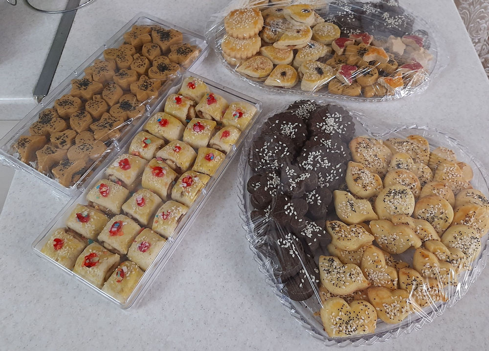 شیرین نسترن، ارائه دهنده کیک وشیرین خانگی شیرینی ظرفی، قبول سفارش برای اعیاد
