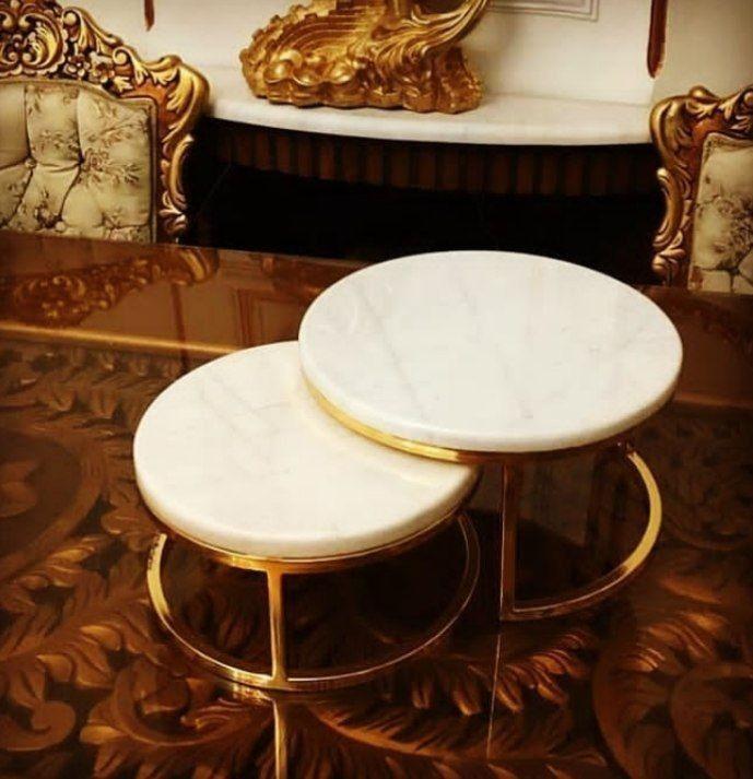 دکوری استند مزه خوری ۲ طبقه با رویه سنگ سفید و مشگی  بدنه طلایی و سیلور  رنگ ثابت