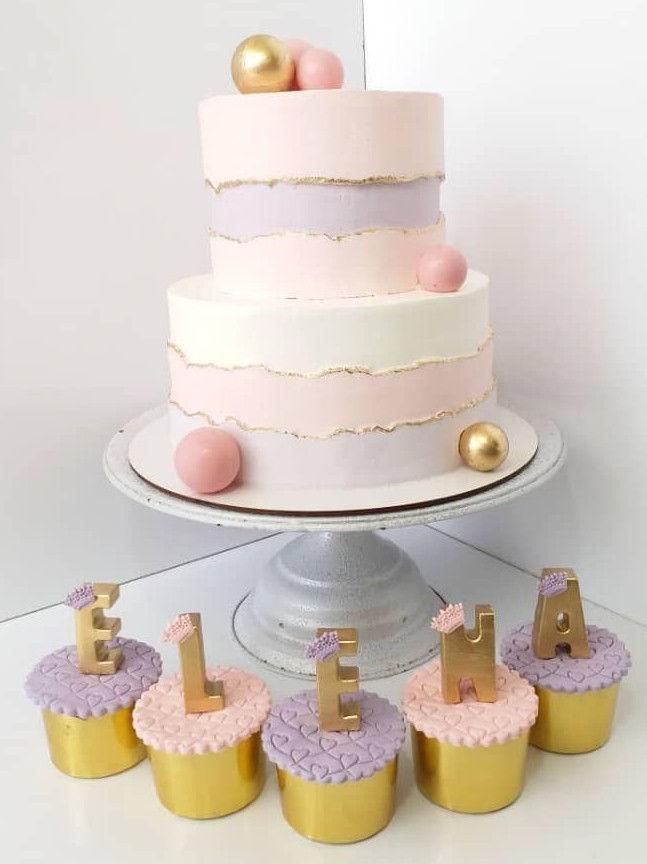 کیک خامه ای وکاپ کیک خونگی سفارش انواع کیک خامه ای مینی کیک(از ۴۰۰گرم) تمام فوندانت عریان سابله کاپ کیک پاپسیکل باگر کیک پذیرفته میشود شروع قیمت ها کیک ساده از کیلویی ۸۲